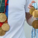 Eskild med medaljer